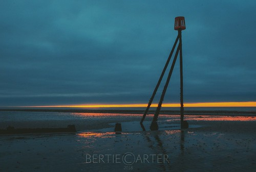 beach dawn sand sunrise westsussex elmer colourful clouds