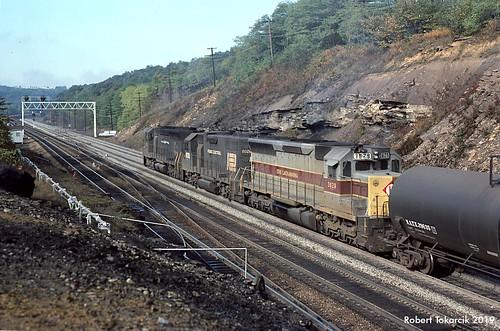 robert tokarcik railroads trains locomotives erie lackawanna emd sd45 bennington benny pennsylvania el