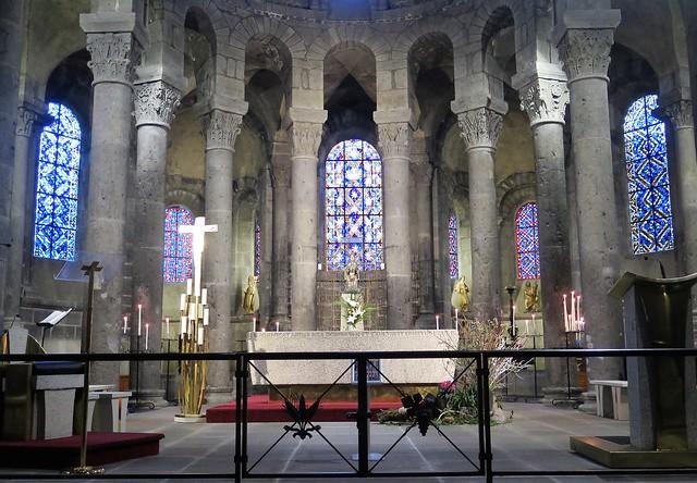 Orcival, Basilique Notre-Dame / Basilica of Our Lady