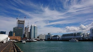 auckland   by leogaggl
