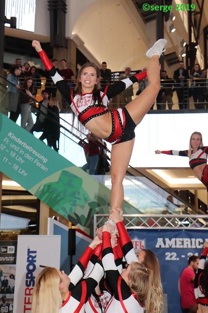 Gold Flames Cheerleader (4)
