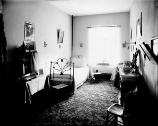 Bedroom at Coligny Ladies' College on the southwest corner of Albert and Bay streets in Ottawa, Ontario / Chambre à coucher au collège pour femmes Coligny au coin sud-ouest des rues Albert et Bay, Ottawa (Ontario)