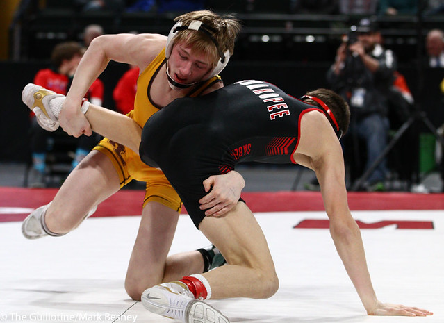 120AAA 1st Place Match - Derrick Cardinal (Forest Lake) 46-3 won by decision over Ben Lunn (Shakopee) 43-4 (Dec 9-4) - 190302bmk0112