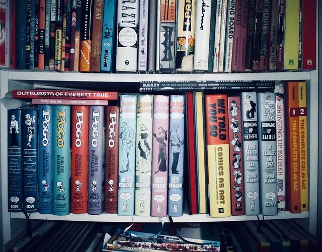 Newspaper Comics Strip Book Shelf - IDW Publishing 9048A