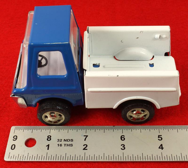 RD26760 Very Rare Fleet Truck CK Kuramochi & Co. , LTD. Japan Blue Cab White Bed DSC09024