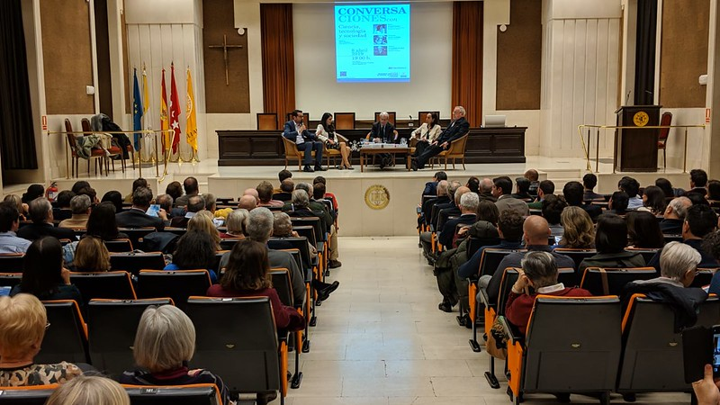 Conversaciones en Comillas entre Postigo, Garrigues Walker y Savater