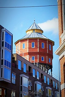 Bovenkamer van Groningen... #2019#groningen#visitgroningen#instameetgroningen#fotosipkes#bovenkamer#citylife#cityphotography#watertoren#city#bluesky#dutch#building#historic#streetphotography#street#walk#wanderer#wanderlust#see#enjoy#beauty#world#discover# | by agnes.postma.hoogeveen