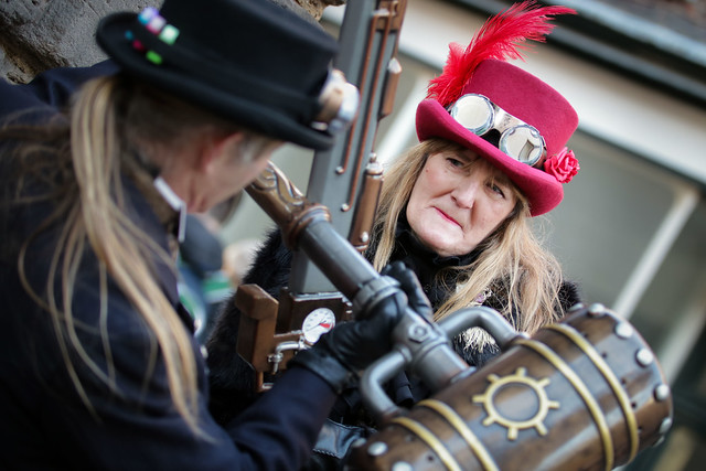 Battling Steampunks at the Whitby Steampunk Weekend V - Ohh La La