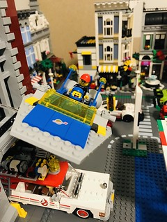 GJBricks and Benny flying a LEGO Space escape