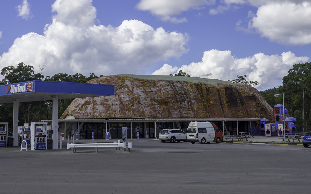 Former Ayers Rock Roadhouse on Pacific Highway at Tea Gard