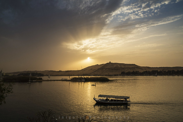 ASWAN/painting the sunset