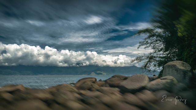 Ilhabela/SP - rocks, sea, Sky, clouds
