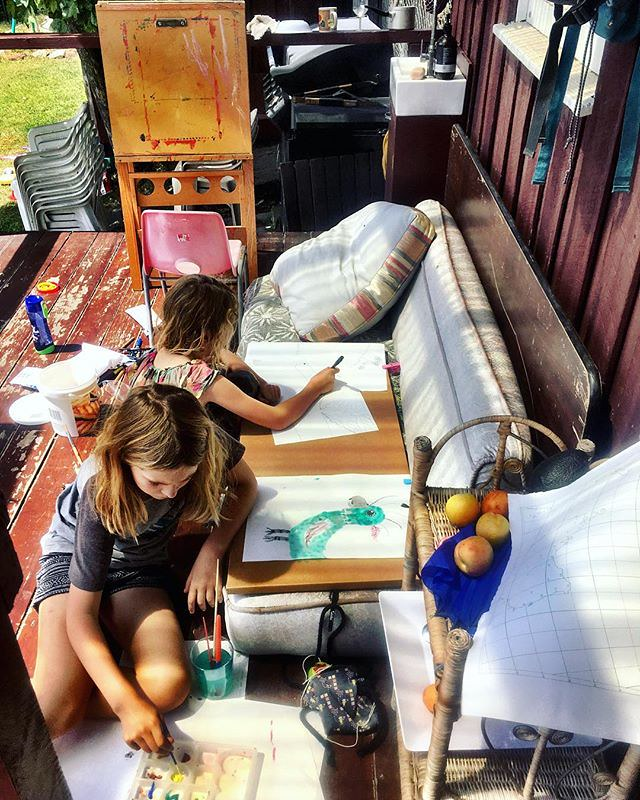 016/365 • painting on the tiny verandah - today we have no plans • . . #sunshine #painting #todaywehavenoplans #sisters #Summer2019 #airbnb #gypsies #mtstuart #improvising #bellalunaboat #glamping #family #australia #tasmania #abcmyphoto #tasmaniagram #di