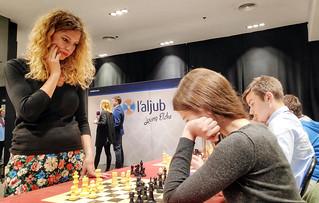 Ajedrez con la campeona Tícia Gara