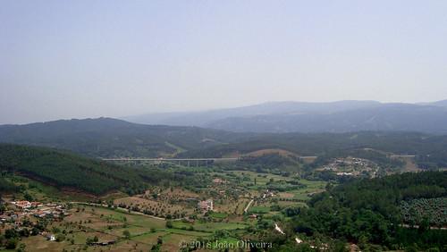 serra da lousã penela castle view sightseeing mountains portugal em fotos olho português nature landscape photography região centro distrito de coimbra aldeias xisto