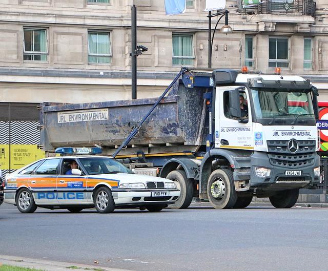 Metropolitan Police Service P161PYW - JRL Environmental VX64JVO