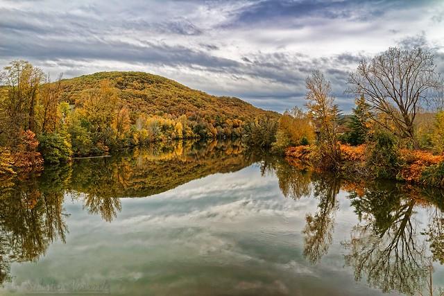 Autumn river - Rivière d'automne