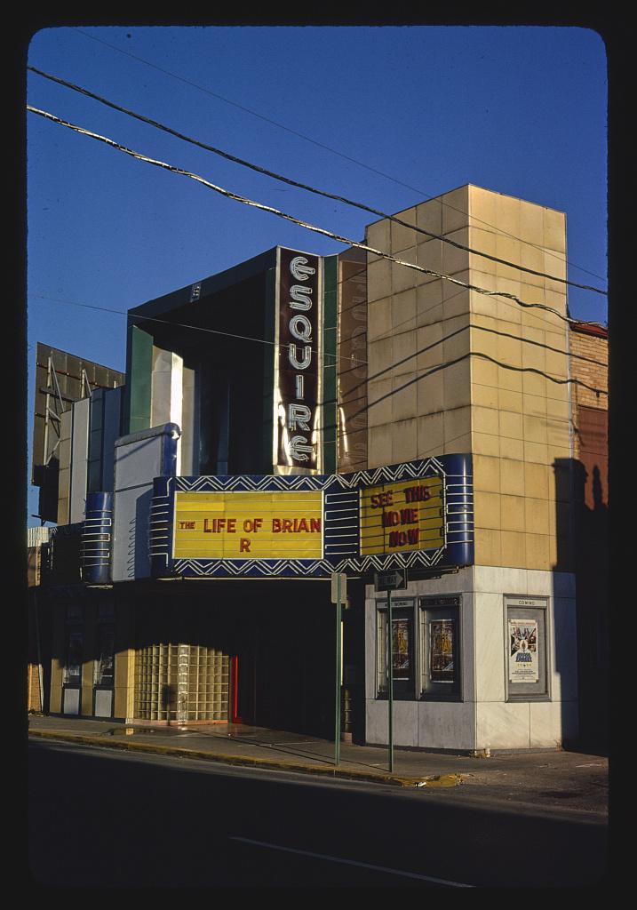 Esquire Theater, Broadway Street, Cape Girardeau, Missouri (LOC)