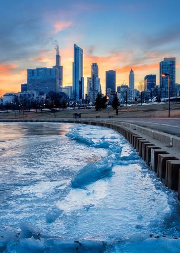 chicago winter ice lakemichigan cityscape skyline sunset