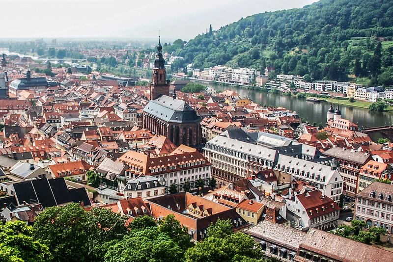 古堡俯瞰聖靈大教堂(Heiliggeist Kirche)