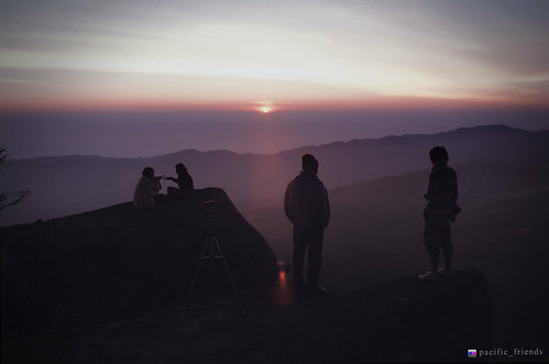 "Sunrise ""ภูลมโล"" | by pacific_friends"