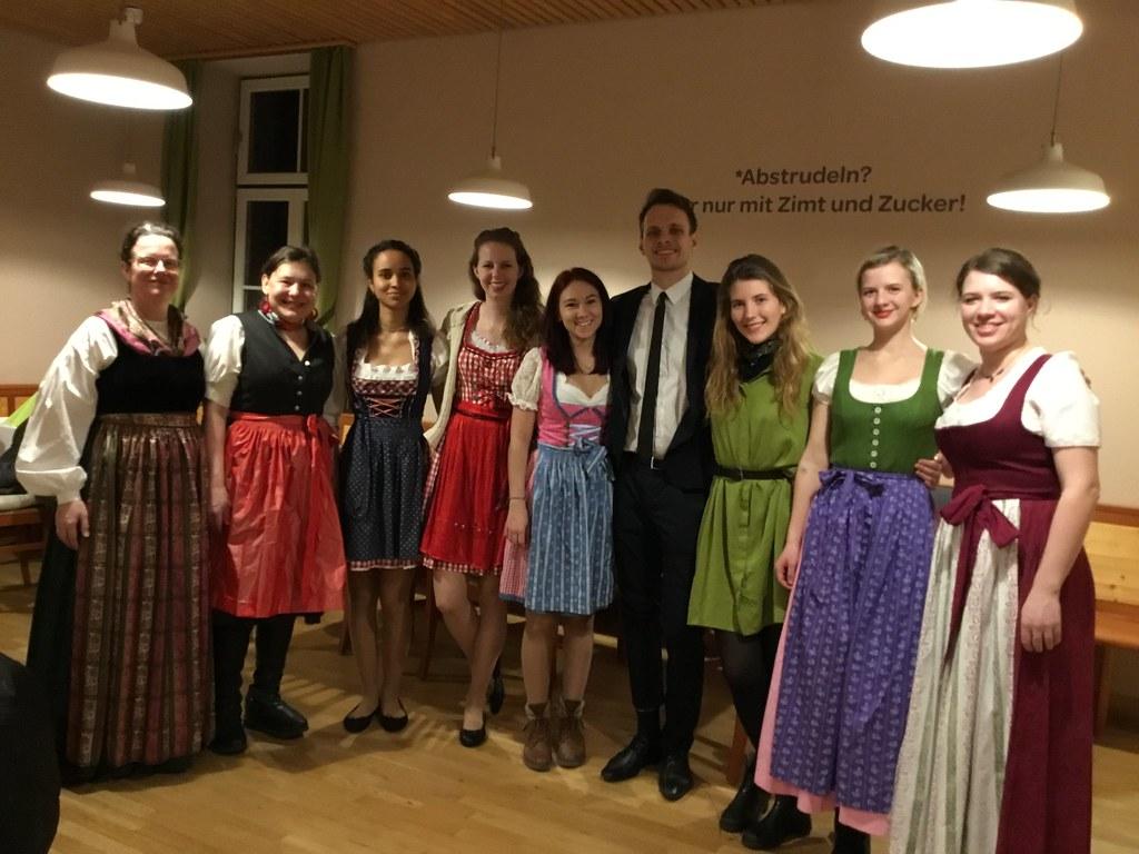 IMG_12  Studenten und Studentinnen der Universität Wien b  Flickr