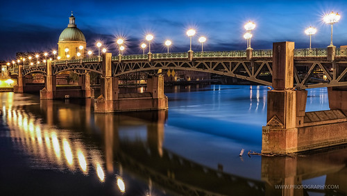 Toulouse, Pont St-Pierre   by [ priotography ]