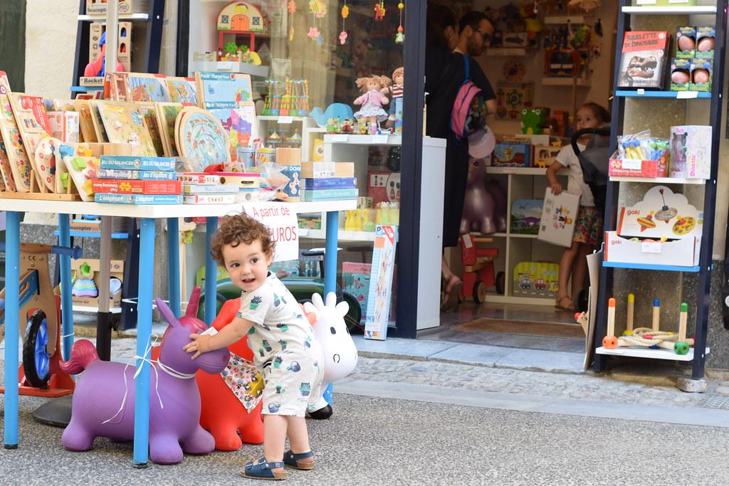 """La juguetería """"Enfantillage"""" tenía una selección de juguetes y cuentos preciosa"""