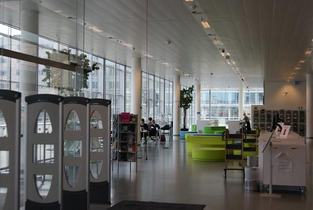 Det Humanistiske Fakultetsbibliotek - Humanities and Law Library  -  KUB South Campus    København S
