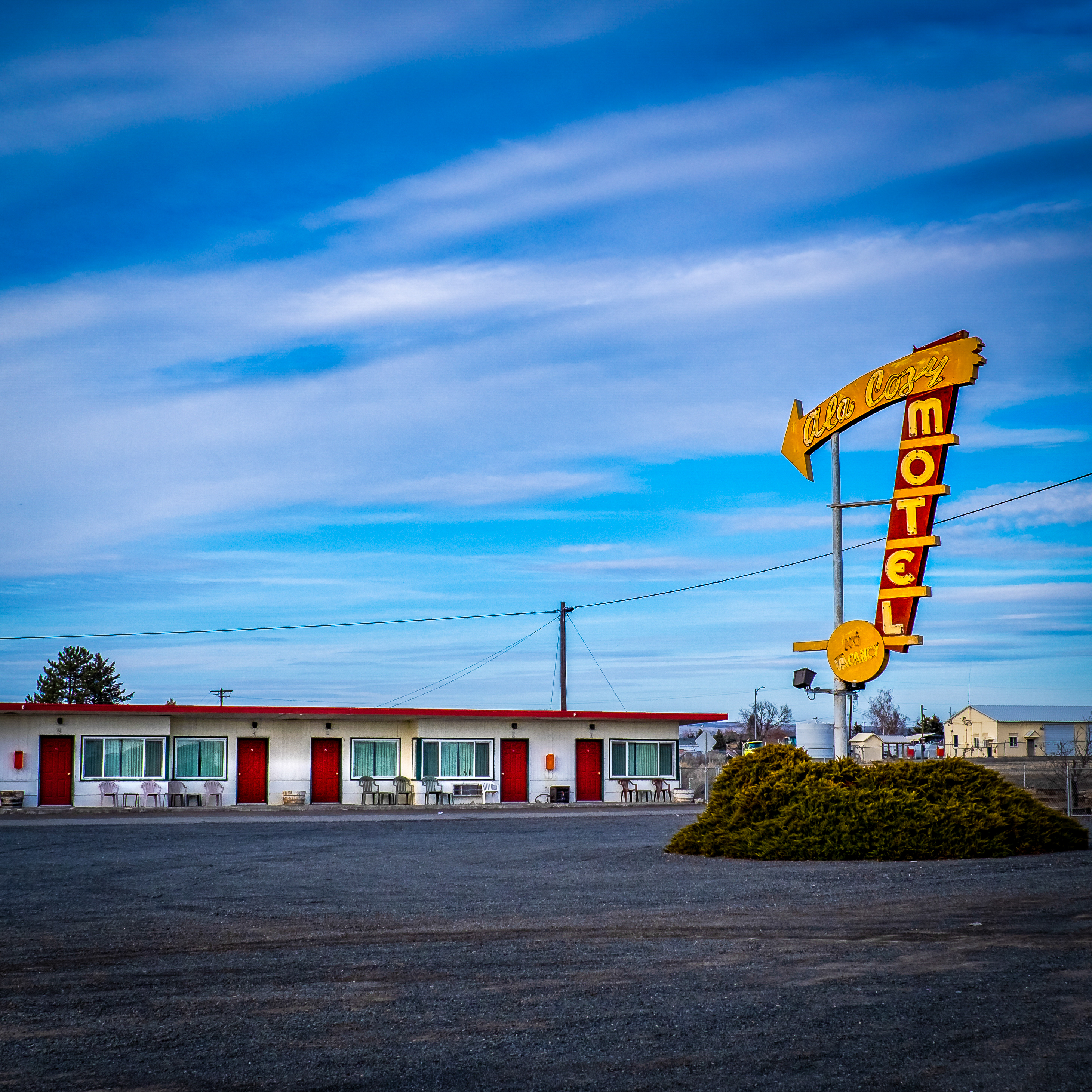 Ala Cozy Motel - 9988 U.S. 2, Coulee City, Washington U.S.A. - March 22, 2019
