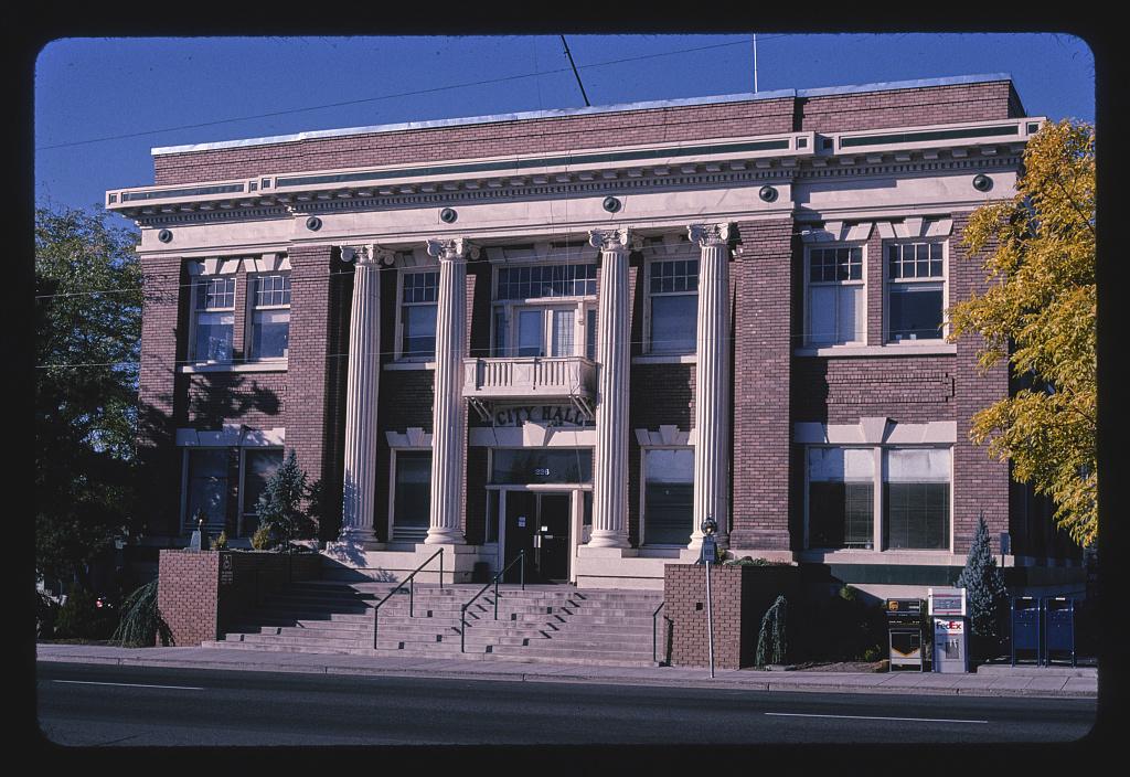 City Hall, angle 2, S. 5th Street, Klamath Falls, Oregon (LOC)