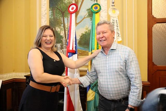 12.04.2019 Prefeito Arthur Virgílio Neto recebe a deputada Joice Hasselman do PSL