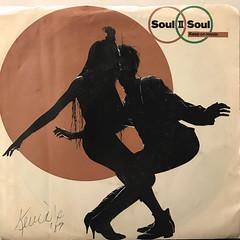 SOUL II SOUL:KEEP ON MOVIN'(JACKET A)