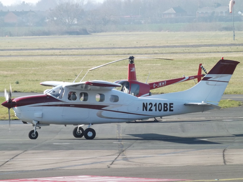 N210BE Cessna 210 (Private Owner) | At Gloucestershire Airpo