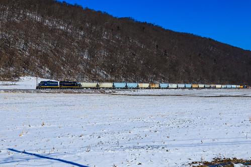 southbranchvalley sbvr railroad chessie system baltimoreandohio bo railway southbranch line romney westvirginia emd gp9 gp9r 92 6240 6604 gp383 100 grain train