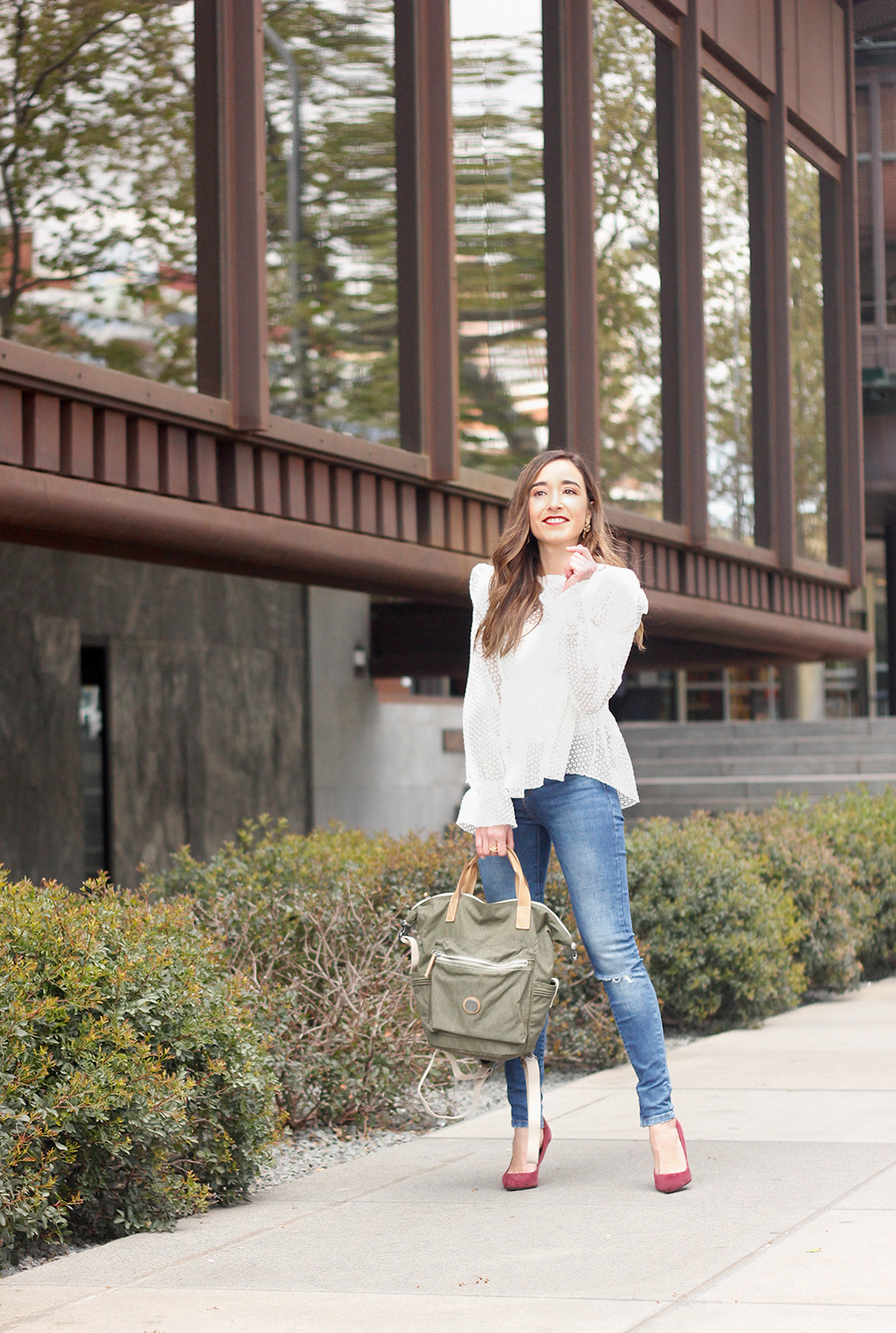 kipling backpack transformation collection khaki white lace blouse casual street style casual outfit 20191