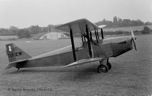 G-ARZW Currie Wot Redhill