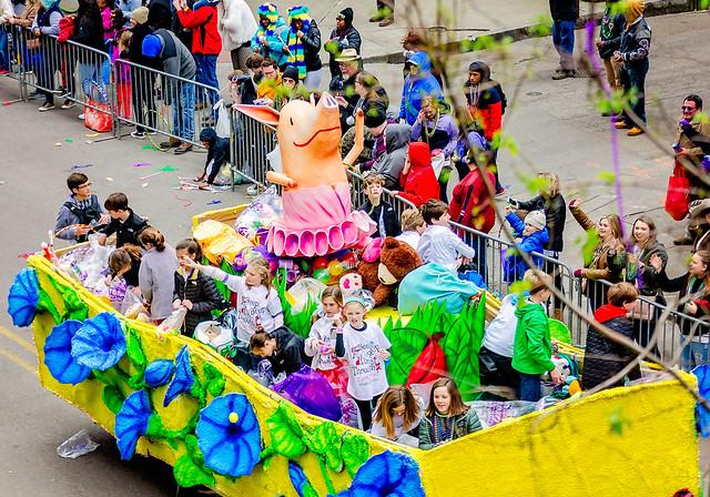 Mardi Gras floral parade Charlotte's Web Wilbur the Pig float in Mobile Alabama