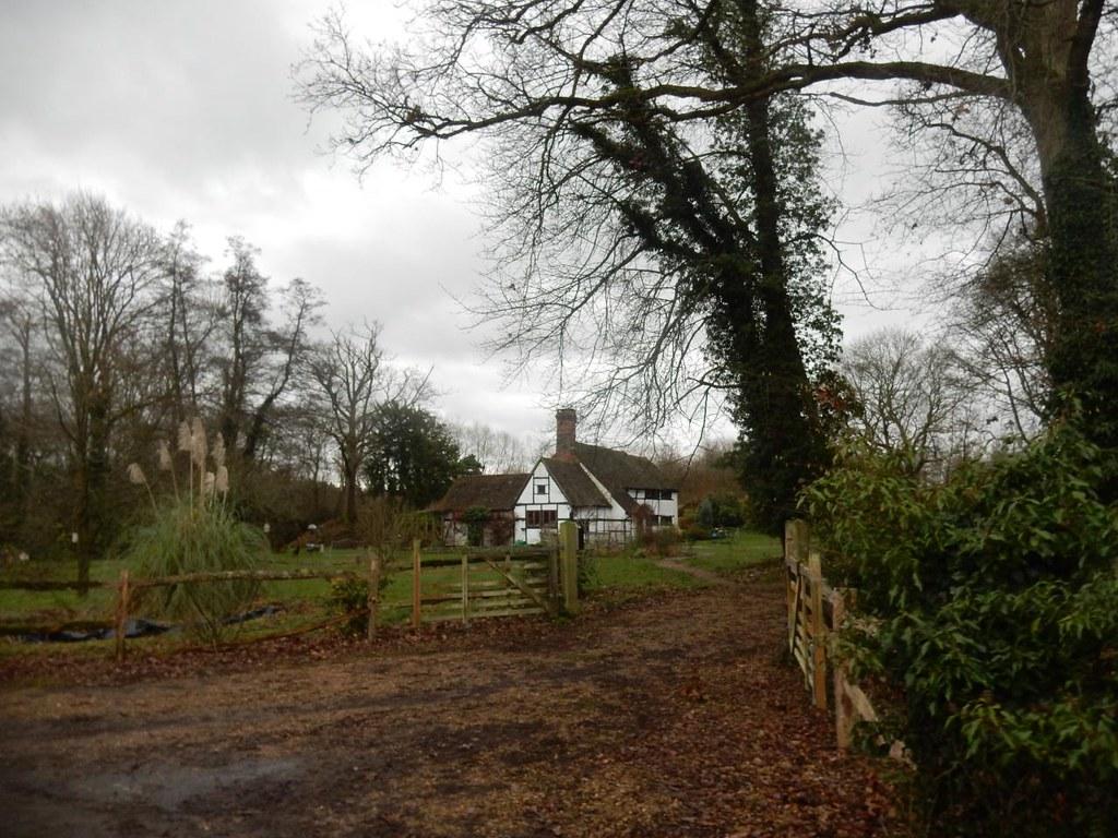 Ewood Old Farmhouse Holmwood to Reigate