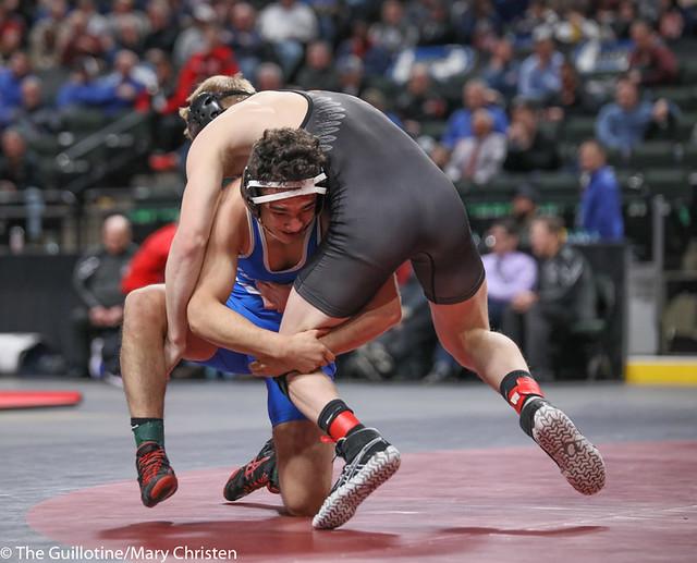 145AA 1st Place Match - Carlos Ruffo (Kasson-Mantorville) 22-5 won by decision over Kellen Schauer (Grand Rapids) 54-1 (Dec 3-1) - 190302BMC4640