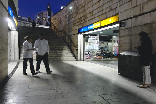 More subway commuting... #commute #subway #lisbon #portugal #street #sonyrx100 #t3mujinpack | by t3mujin