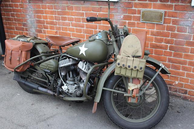 Harley Davidson 1942 WLA 750CC YVL 423