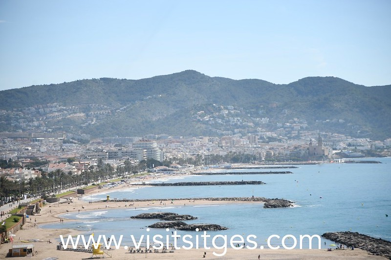 Drones calcularán la ocupación de las playas de Sitges en una prueba piloto