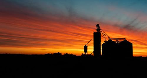 2019 canon5dmarkiv sky sunrise imga2066pano silo farm colour orange woodstock ontario