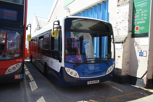Stagecoach South 37267 SL64HXB
