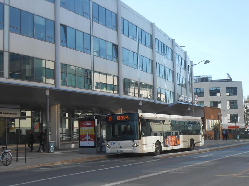 Reims bus 33574692338_62af2de002_c