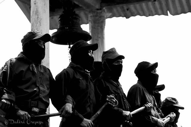 Milicianos del EZLN en visita de Marichuy a Guadalupe Tepeyac