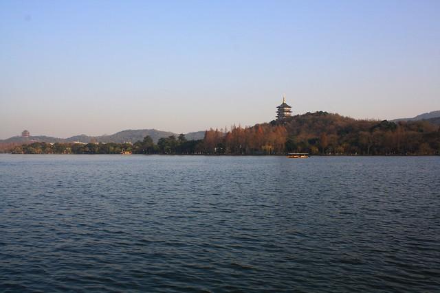 西湖 / West Lake / Западното езеро