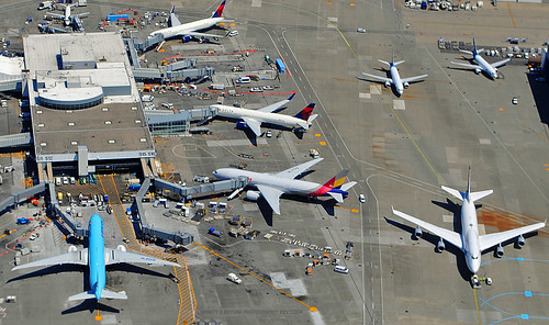 seattle tacoma seatac international airport ksea airplanes planes aircraft aerial view takeoff
