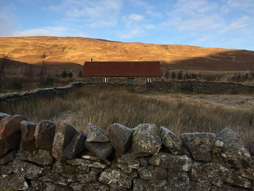 Lochivraon bothy | by malky_c